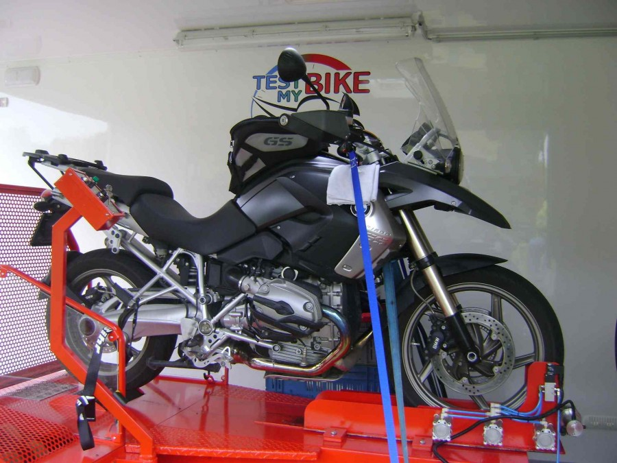 BMW R1200GS  2008 avec boîtier additionnel RAPID-BIKE Racing
